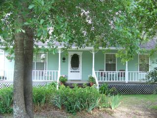 Comfortable Bed and Breakfast with Deck and Internet Access - Ben Wheeler vacation rentals