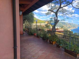 PANORAMA COTTAGE with view & garden - Taormina vacation rentals