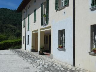Nice Condo with Short Breaks Allowed and Central Heating - Ome vacation rentals
