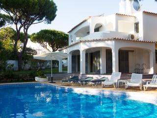 Villa do Sol - Vale do Garrao vacation rentals