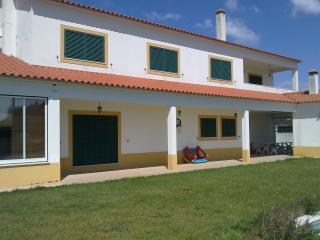 Field House 12 people with swimming pool - Salvaterra de Magos vacation rentals