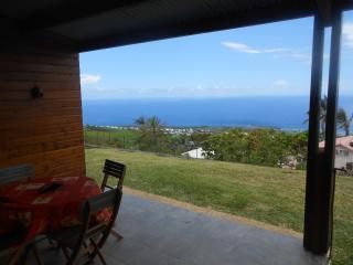 F2 Saint-leu vue panoramique océan et côte - Saint-Leu vacation rentals