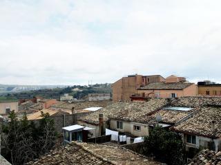 Bright 4 bedroom Condo in Ragusa - Ragusa vacation rentals