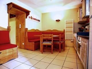 Bright 4 bedroom House in Saint-Jean-de-Belleville - Saint-Jean-de-Belleville vacation rentals