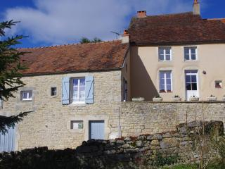 Cozy 2 bedroom House in Alise-Sainte-Reine with Internet Access - Alise-Sainte-Reine vacation rentals