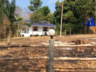 Perfect Villa with Satellite Or Cable TV and Stove in Ko Kut - Ko Kut vacation rentals