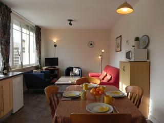 2 bedroom Gite with Internet Access in Potigny - Potigny vacation rentals