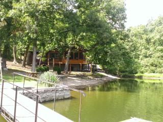 Haven of Bliss, Lake of the Ozarks - Camdenton vacation rentals