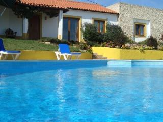 Nice Cottage with Internet Access and Dishwasher - Alfeizerao vacation rentals