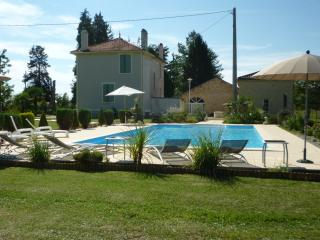 Beautiful Gite with Internet Access and Satellite Or Cable TV - Saint-Vite vacation rentals