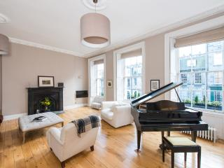 Perfect 3 bedroom Edinburgh House with Internet Access - Edinburgh vacation rentals