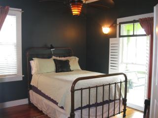 DOWNTOWN LOVELY BandB, Walk to Everything - Wilmington vacation rentals