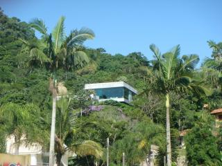 Wonderful House with Deck and Satellite Or Cable TV - Balneario Camboriu vacation rentals