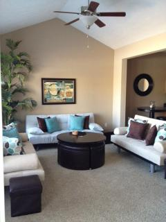 Modern comfortable Living Room - Branson Creek Villa close to golfing, lake & shows - Hollister - rentals