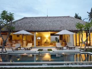4BR - ETHNIC VILLA AT ECHO BEACH - Canggu vacation rentals
