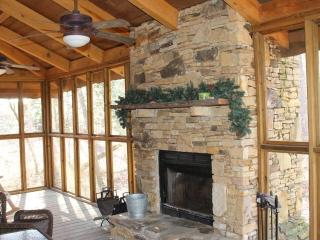 Beautiful cottage - screened porch and fireplace - Alabama Mountains vacation rentals