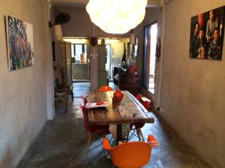 Explore with Comfort in Central Apt - Singapore vacation rentals