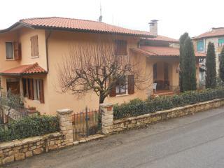 Il Leccio - Villetta bifamiliare - Serre di Rapolano vacation rentals