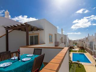 Apartment T, Very Close To Beach Cabanas De Tavira - Cabanas de Tavira vacation rentals