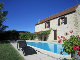 Cozy 3 bedroom House in Saint-Andre-d'Allas with Internet Access - Saint-Andre-d'Allas vacation rentals