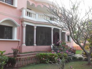 Adorable Condo with Balcony and Parking in Kottakuppam - Kottakuppam vacation rentals