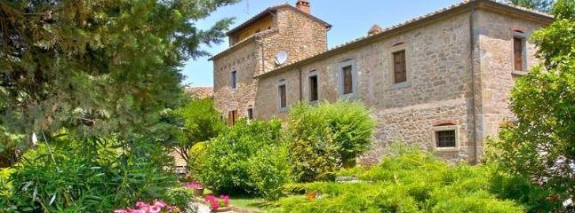 Beautiful farmhouse with apartments and pool - Cortona vacation rentals