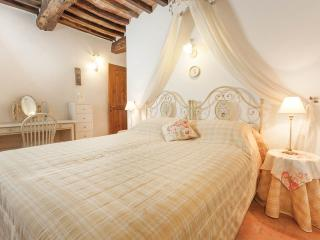 Il Bocciolo at La Lombarda - Cortona vacation rentals