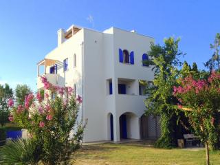 VILLA SANTORINI - BEACH AND GARDEN - Lignano Riviera vacation rentals