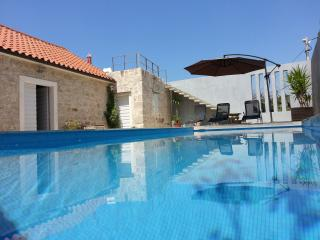 JUNE 2017 SPECIAL PRICE, DISCOUNT, 100 year old villa with pool, stunning views - Podgora vacation rentals