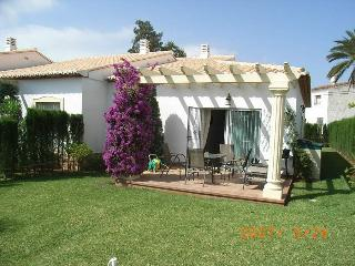 Nice Bungalow with Internet Access and A/C - Beniarbeig vacation rentals