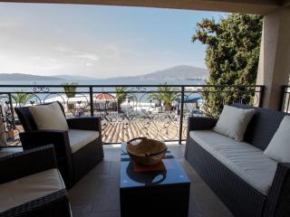 Villa Ivan,apt#1 - Okrug Gornji vacation rentals