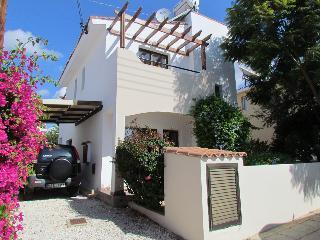 Villa Kalandia, Emba Village, Paphos District. - Emba vacation rentals
