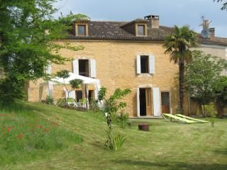 Terriol - with large garden and panoramic views - Belves vacation rentals