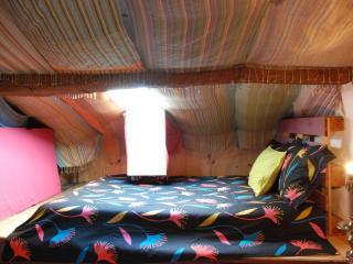 casa das janelas tortas (sótão/attic ) partilhado - Guimaraes vacation rentals