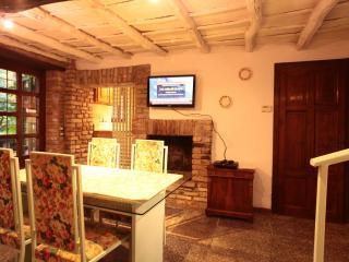 Charming 1 bedroom Condo in Mediglia with Internet Access - Mediglia vacation rentals