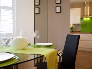 Beautiful 3 bedroom Auchterarder Apartment with Internet Access - Auchterarder vacation rentals