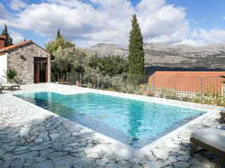 Villa Lucija - Four-Bedroom Villa with Terrace and Swimming Pool - Gruda vacation rentals