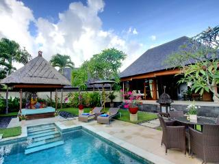 Bulan Madu - an elite haven - Bukit vacation rentals