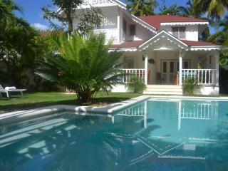 Villa 4 bedrooms near beach and center village - Las Terrenas vacation rentals