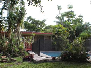 VILLA WITH PRIVATE POOL IN HEART OF MIAMI - Cutler Bay vacation rentals