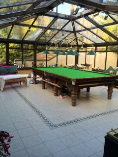 Bright 4 bedroom Cheltenham B&B with Internet Access - Cheltenham vacation rentals