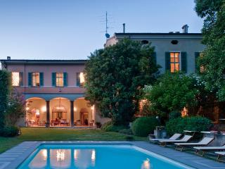 Villa di Lusso in Franciacorta - 1000mq con Piscin - Bornato vacation rentals