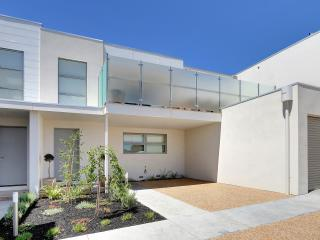 Nice 3 bedroom Dromana House with Deck - Dromana vacation rentals