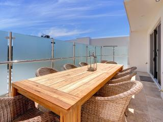 Nice House with Deck and Internet Access - Dromana vacation rentals