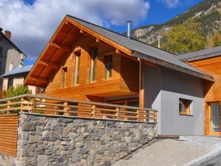 Le Verger Fleuri - Chalet Lilas - Briançon vacation rentals