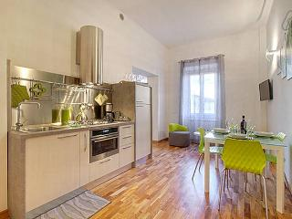 2 bedroom Apartment with Internet Access in Florence - Florence vacation rentals