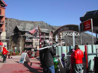 SKI IN SKI OUT NEW CAPITOL PEAK 1 BED LUXURY CONDO - Snowmass Village vacation rentals