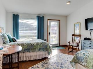 Dog-friendly floral suite w/ocean views & perfect location for a Yachats retreat - Yachats vacation rentals