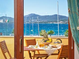 "3-room apartment ""Bettina"", 100 m from beach - Golfo Aranci vacation rentals"
