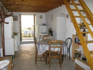 Romantic Chatel-Censoir vacation House with Television - Chatel-Censoir vacation rentals